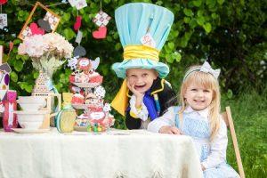 Оформление детского дня рождения в стиле «Алиса в стране чудес»