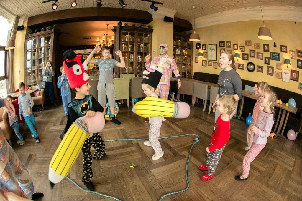 Пижамная вечеринка для детей на площадке лофт