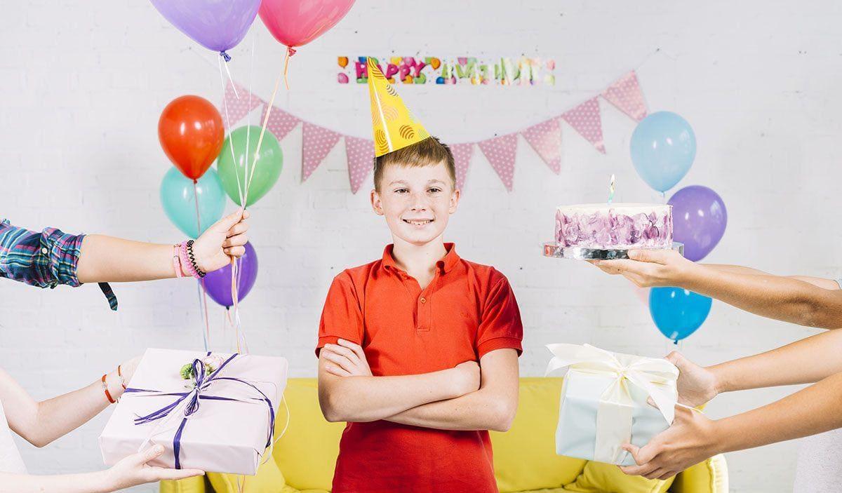 Что подарить ребёнку на День рождения: 100 подарков на любой вкус