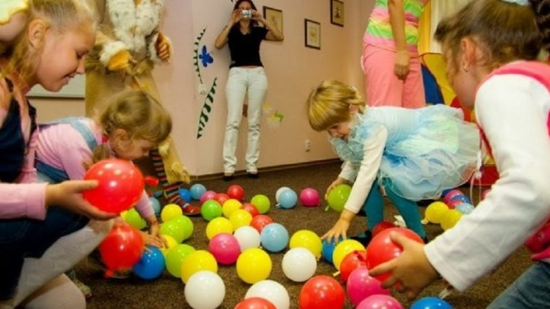 Конкурсы с воздушными шариками для детей