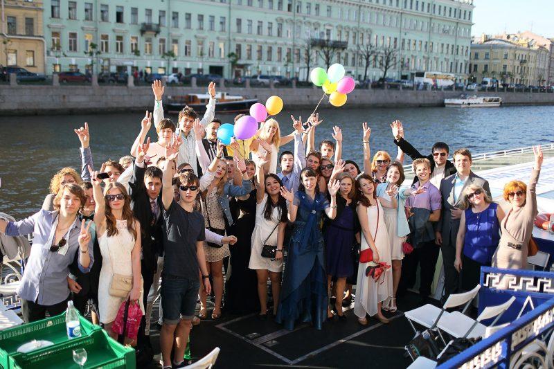 аренда яхты и теплохода на выпускной в Москве