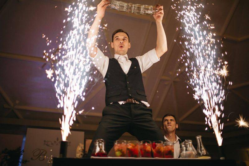 бармен шоу на выпускной